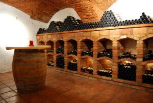 Gewoelbe-Keller-Wein-Lager-alter-Keller-Weinstrasse-Leutschach-Weingut-Rothschaedl-Suedsteiermark-Steiermark