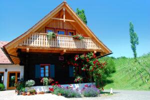 altes-Bauernhaus-Suedsteiermark-Steiermark-Leutschach-Weinstrasse-Eichberg-Trautenburg-Urlaub-Weinbauernhof-Kurzurlaub-Ferien-Unterkunft-Zimmer-Gaestezimmer-Winzerhaus-Weingut-Rothschaedl
